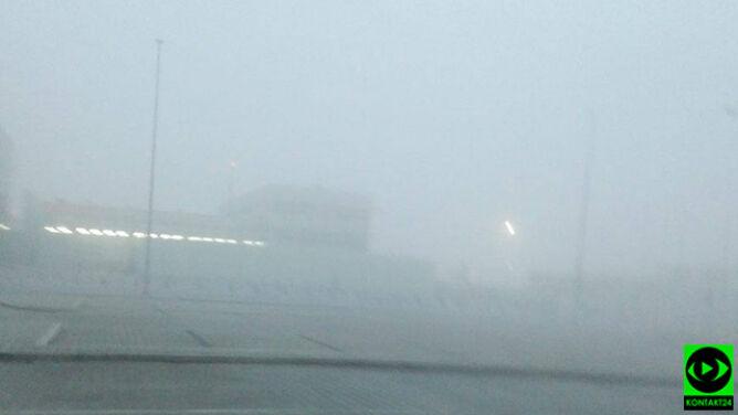 Poranna mgła nad krakowskim lotniskiem utrudniała ruch samolotów