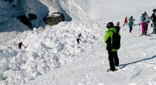W Szwajcarii zeszła lawina (PAP/EPA/ANTHONY ANEX)