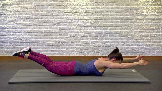 Wzmocnij mięśnie grzbietu. Natalia Gacka pokazuje ćwiczenia