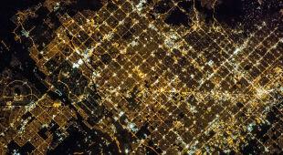 Rozświetlone Phoenix z pokładu ISS (NASA)