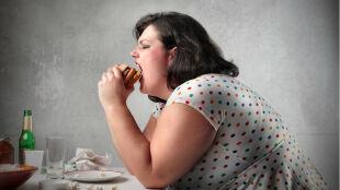 Jedz wcześniej, więcej schudniesz