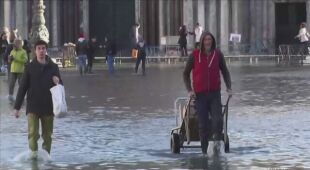 Woda wdarła się do krypty Bazyliki Świętego Marka